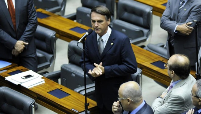 """Jair Bolsonaro na Câmara dos Deputados:presidente eleito fala em excluir as vagas de 113 deputados e manter 400: """"Está de bom tamanho"""", diz.   Gabriela Korossy/Agência Câmara"""