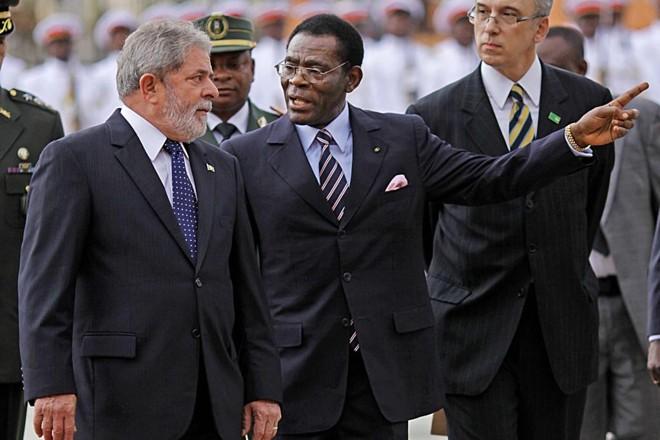 Lula e o presidente de Guiné Equatorial, Teodoro Obiang: tráfico de influência  em  favor de empresa brasileira. | Ricardo Stuckert/PR/Arquivo