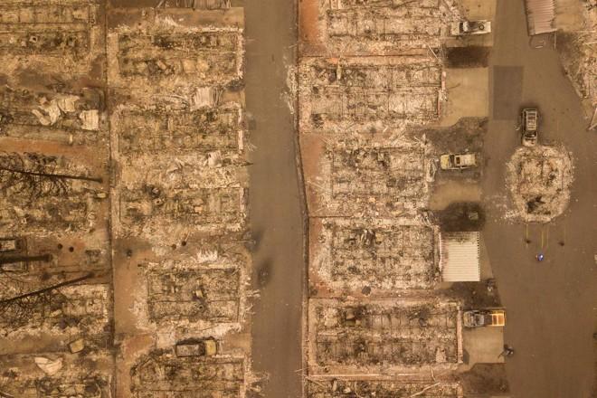 Foto aérea de um bairro de Paradise após o incêndio Camp Fire, em 15 de novembro | JOSH EDELSON/AFP