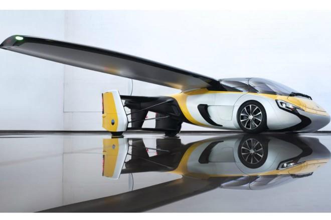 O carro-avião tem 6 metros de comprimento e impressionantes 8,8 m de envergadura. | Aeromobil / Divulgação