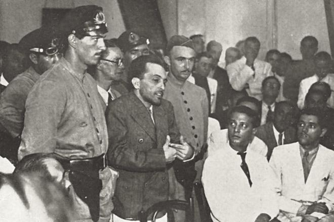 Luís Carlos Prestes durante julgamento, em 1937, após a malfadada Intentona Comunista. | Reprodução
