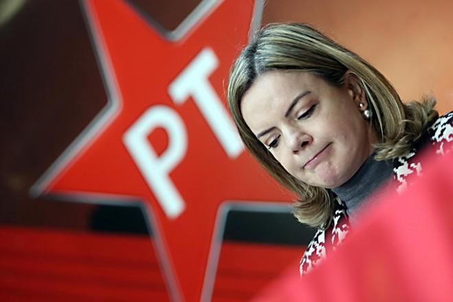 A petista Gleisi Hoffmann vai trocar o Senado pela Câmara na próxima legislatura: PT foi o partido de esquerda que mais encolheu no período analisado. | Albari Rosa/Gazeta do Povo