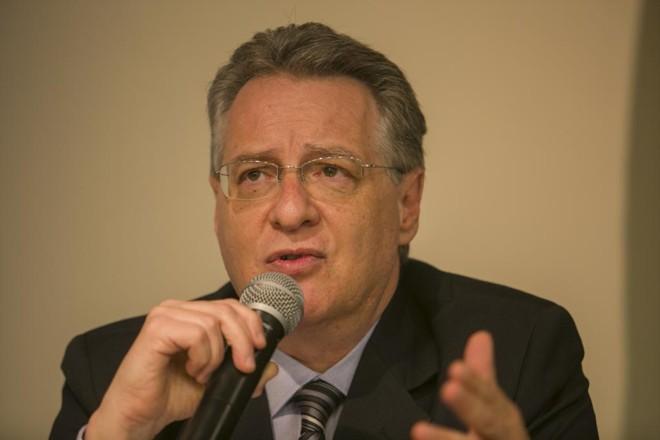 Aos 58 anos, 33 deles na Receita Federal, o auditor Roberto Leonel tem a confiança do ex-juiz Sergio Moro. | Marcelo Andrade/Gazeta do Povo
