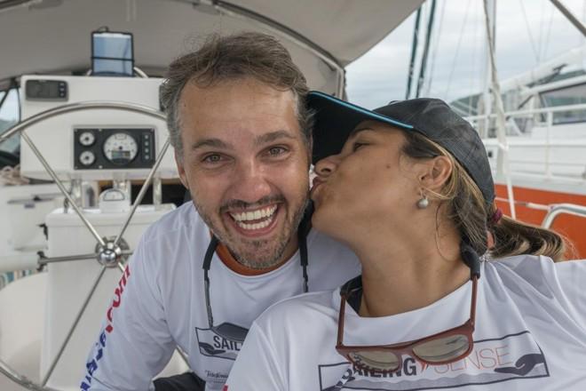 João Pedro e Adraian:realizando o sonho de viver viajando em um veleiro. | Alexandre Zelinski/