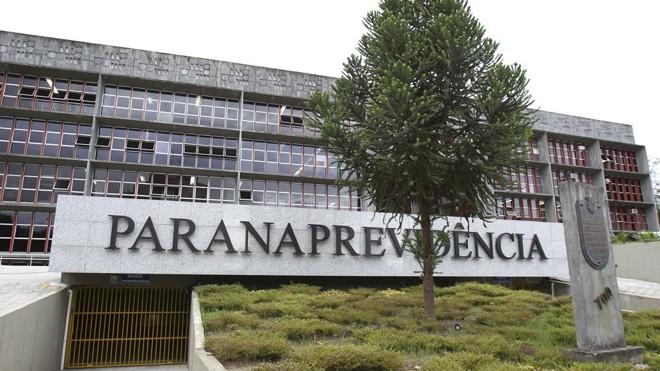 Fachada da Paranaprevidência: mudanças são consideradas perigosas pelo MPe pelo TCE. | Daniel Castellano/Arquivo/Gazeta do Povo