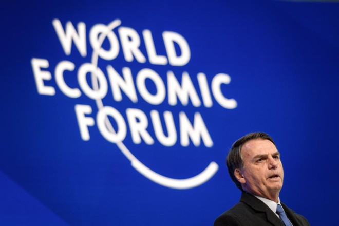 Jornais estrangeiros repercutiram discurso de Bolsonaro no Fórum Econômico Mundial de Davos.   FABRICE COFFRINI/AFP