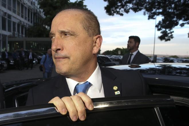 Onyx Loreonzoni está no centro de algumas das principais polêmicas do começo do governo.   Valter Campanato/Agência Brasil