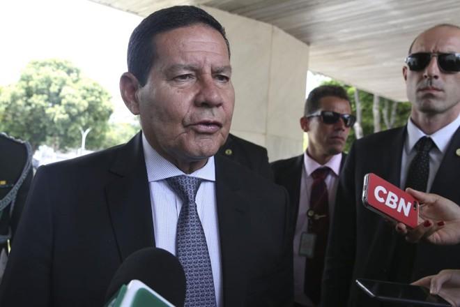 O vice-presidente, general Hamilton Mourão (PRTB), afirmou que o Brasil pode atender ao apelo de ajuda humanitária da oposição venezuelana | Valter Campanato/Agência Brasil