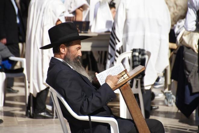 Existe grande pressão de grupos seculares para que se proíbam exigências sagradas e absolutas para os judeus | Pixabay