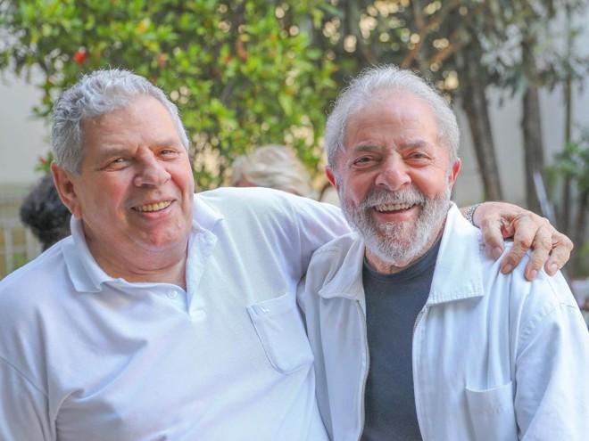 Genival Inácio da Silva, o Vavá, e o ex-presidente Lula: enterro será na manhã desta quarta-feira (30) | Ricardo Stuckert/Fotos Públicas