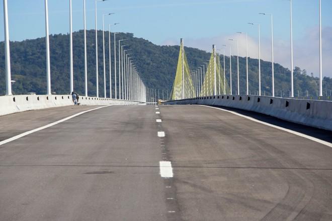 A ponte Anita  Garibaldi no trecho da BR-101 em Laguna (SC): concessão prevê instalação de quatro praças de pedágio. | Leonardo Pepe / Ministério dos Transportes