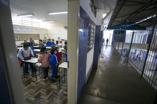 A ausência, de acordo com a nova norma, deve ser requerida previamente, mas o texto não explicita quanto tempo antes | Marcelo Andrade/Gazeta do Povo