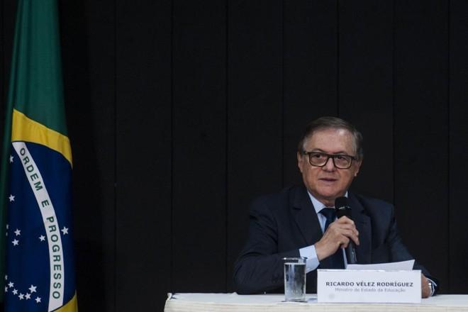 O servidor exonerado não era uma indicação da gestão de Bolsonaro. Vélez escolheu Carlos Alberto Decotelli para presidir o FNDE, que ainda não assumiu o cargo | Marcello Casal jr/ Agência Brasil