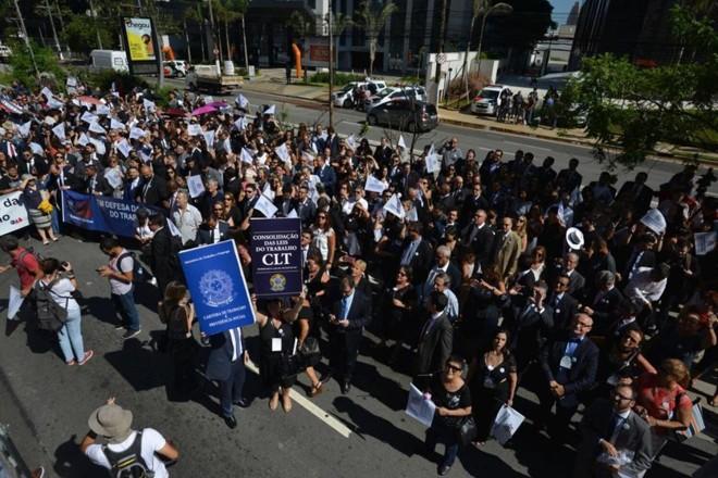 Em São Paulo (SP), advogados, juízes e servidores participaram de ato contra a extinção da Justiça do Trabalho. | Divulgação/Anamatra