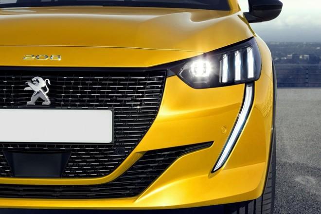 Os filetes que simulam as 'garras do leão' se destacam nos faróis e ganham o prologamento da luz diurna no para-choque. | Peugeot / Divulgação