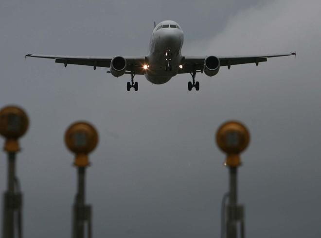 Companhias brasileiras reclamam dos altos custos com combustível de aviação | Ivonaldo Alexandre/Gazeta do Povo/Arquivo