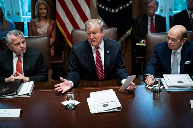 O presidente Donald Trump em uma reunião na Casa Branca na terça-feira (12) | Jabin Botsford/The Washington Post