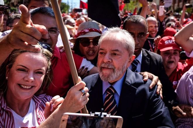 Lula na ida a depoimento em Curitiba, em 2017. | Ricardo Stuckert    /    Divulgação