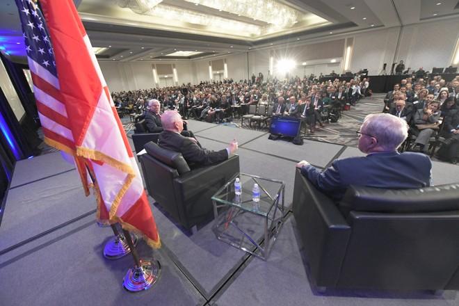 O secretário de Agricultura dos EUA, Sonny Perdue (ao centro) com o secretário mexicano Villalobos Arambula e o ministro canadense MacAulay durante a abertura do Agricultural' Outlook Forum, em Arlington, Virgínia. | Lance Cheung/USDA/Divulgação