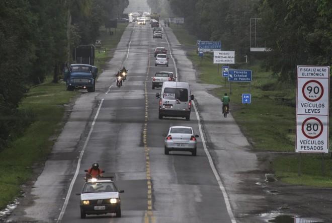 Nova estrada seria paralela à PR-412. | Jonathan Campos/Gazeta do Povo