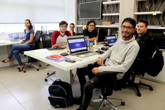 Equipe da startup Alpop, em Campinas | Divulgação/