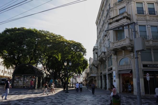 Loja de departamentos funciona atualmente no Edifício Paulo Hauer | Cassiano Rosario/Gazeta do Povo
