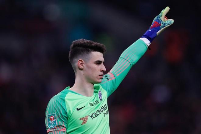 Kepa, goleiro do Chelsea, se recusou a ser substituído no fim da prorrogação da final da Carabao Cup | ADRIAN DENNIS/AFP