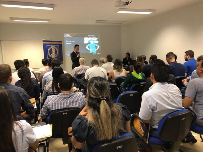 Mas de 50 pessoas, representantes de vários elos da cadeia produtiva, participam do debate em Rio Verde (GO). | Reprodução/
