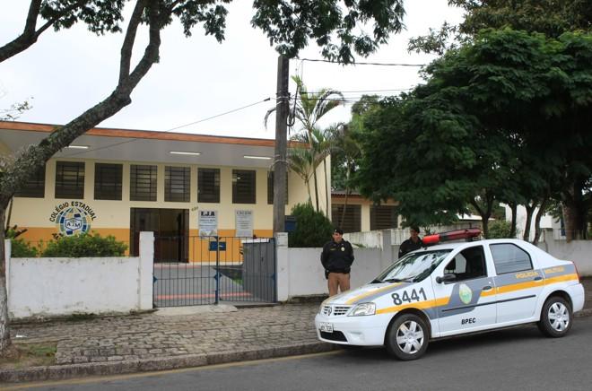 Governo do PR promete que policiais da reserva serão treinados para reforçar a segurança nas escolas. | Aniele Nascimento/Gazeta do Povo/ Arquivo