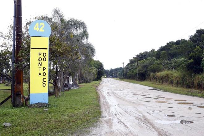 Atualmente a  área em que há a previsão de instalação de um porto não tem ligação pavimentada. | Albari Rosa/ Arquivo Gazeta do Povo