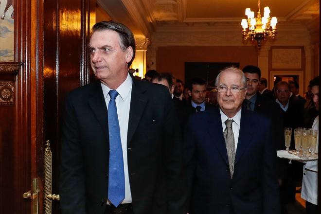 O presidente Jair Bolsonaro e o embaixador do Brasil nos EUA Sérgio Amaral. | Alan Santos/PR