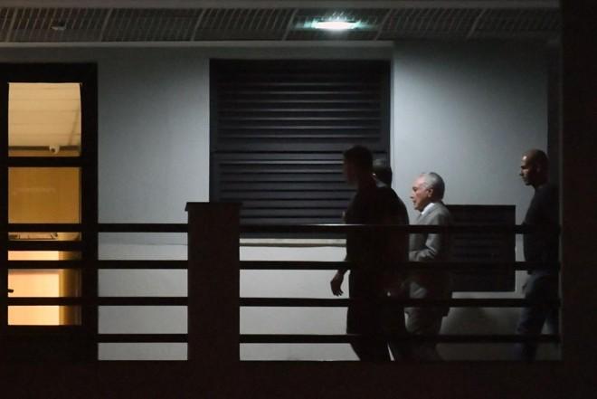 Temer, na PF do Rio, onde está preso. | MAURO PIMENTEL/AFP
