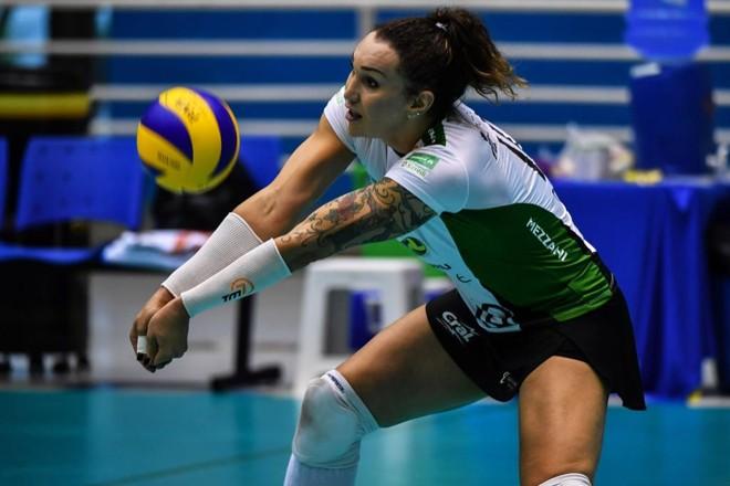 Tiffany é atacante do Sesi/Bauru que eliminou a equipe de Bernardinho, o Sesc/Rio. | NELSON ALMEIDA/AFP