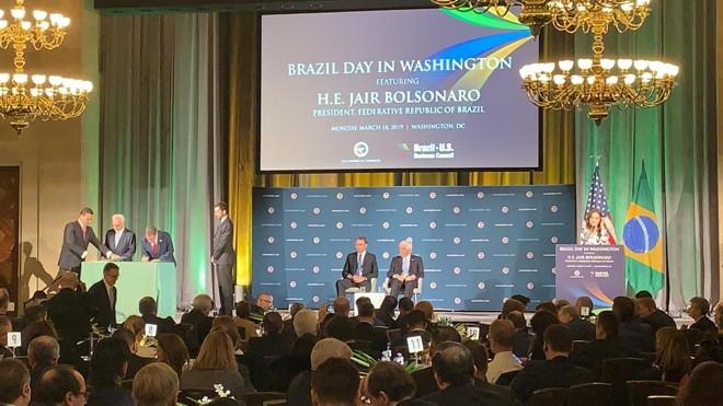 Cerimônia com a presença do presidente Jair Bolsonaro marcou assinatura de acordo de salvaguarda tecnológica (AST), que permite aos EUAutilizar Base de Alcântara, no Maranhão. | Raphael Sibilla/especial para a Gazeta do Povo