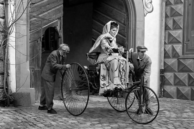 Vídeo mostra como Bertha Benz realizou a primeira viagem mais longa da história. | Divulgação / Daimler AG