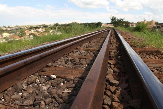 Estrada de Ferro Central do Paraná, entre Apucarana e Ponta Grossa, foi construída entre 1968 e 1975. | Gilberto Abelha/Jornal de Londrina/Arquivo/