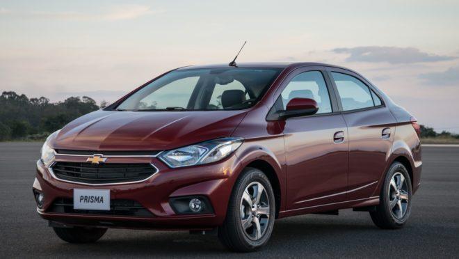 O sedã Prisma ocupa a quarta posição entre os carros mais vendidos no país. Foto: Chevrolet/ Divulgação