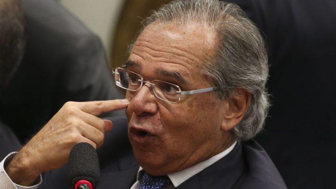 Paulo Guedes bate boca com Gleisi