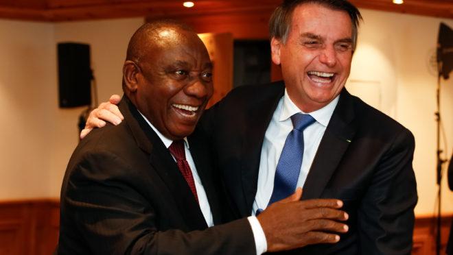 Jair Bolsonaro, durante reunião com o presidente da África do Sul, Cyril Ramaphosa.