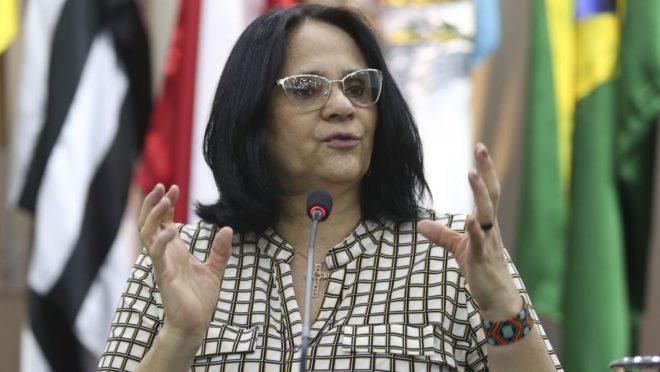 Damares Alves: política pública para mulheres escalpeladas