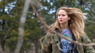Cena do filme 'Inverno da Alma', com a atriz Jennifer Lawrence (Foto: Divulgação)