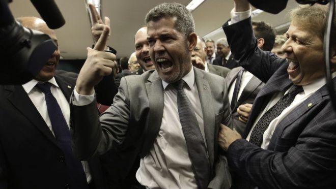 Delegado Waldir, líder do PSL na Câmara, foi acusado de estar armado na sessão da CCJ. Foto: Fábio Rodrigues Pozzebom/Agência Brasil