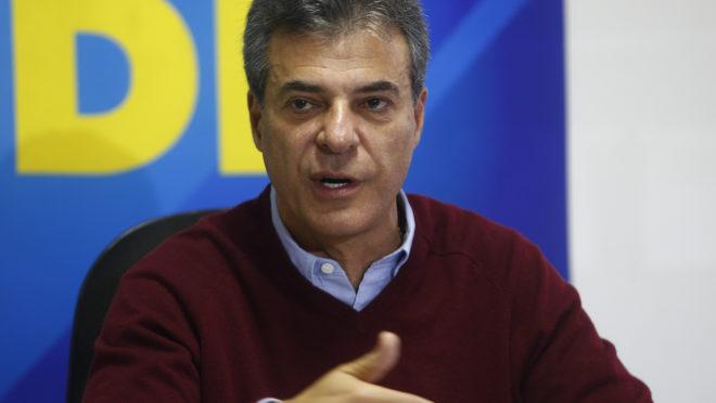 Beto Richa em entrevista coletiva.