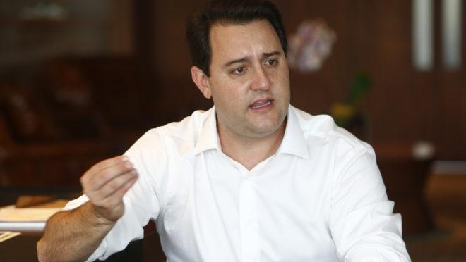 Governador Ratinho Junior.