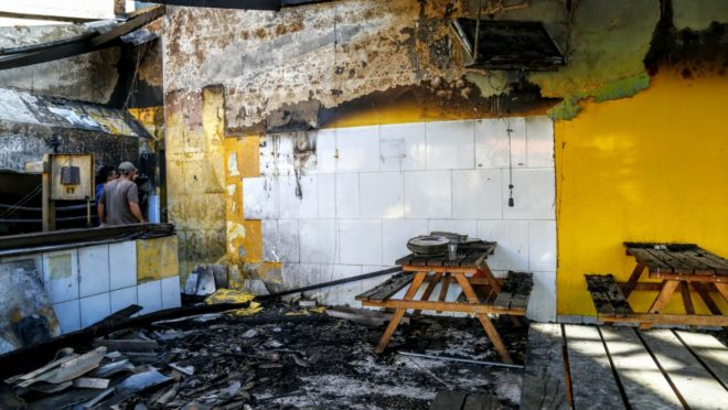 Churrascaria atingida por incêndio