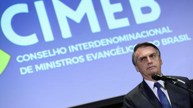 Jair Bolsonaro fala em encontro com lideranças evangélicas no Rio de Janeiro