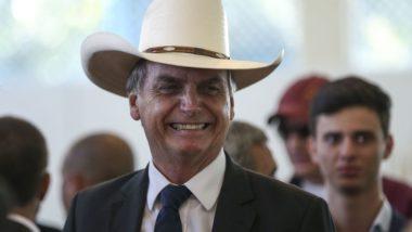 O presidente Jair Bolsonaro participa de almoço com artistas sertanejos, no Clube do Exército, em Brasília. Foto: José Cruz/Agência Brasil