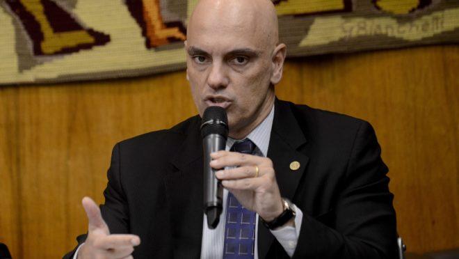 O ministro do STF Alexandre de Moraes se negou a arquivar inquérito de fake news, em decisão contrária à de Raquel Dodge, da PGR.