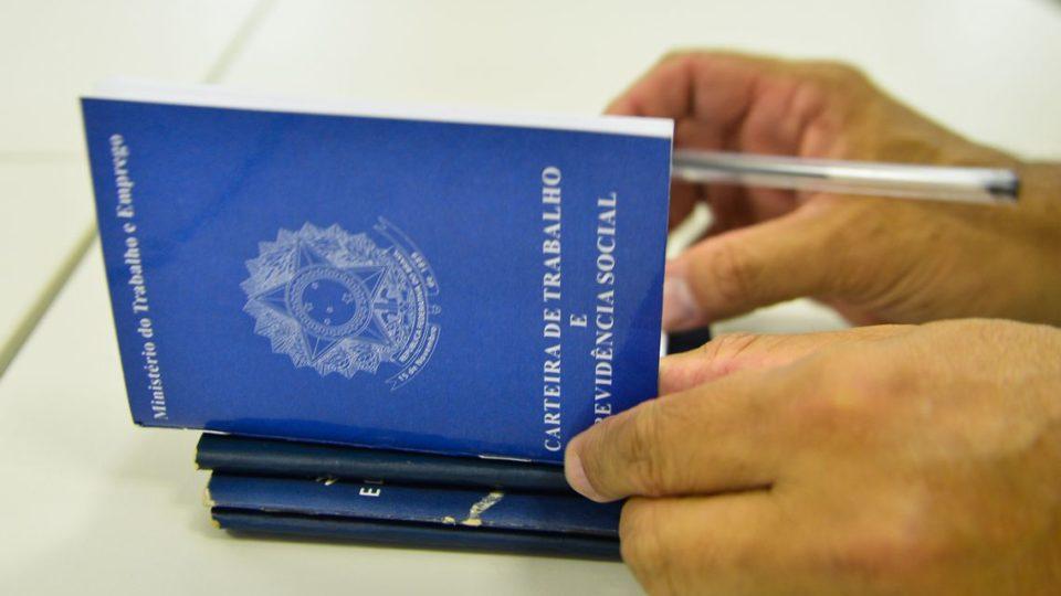Governo cobrará imposto em acordo trabalhista que envolva hora extra, 13.º e férias