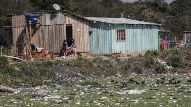 Brasil precisa dobrar o investimento em saneamento para garantir a universalização dos serviços. (Foto: Jonathan Campos / Arquivo / Gazeta do Povo)